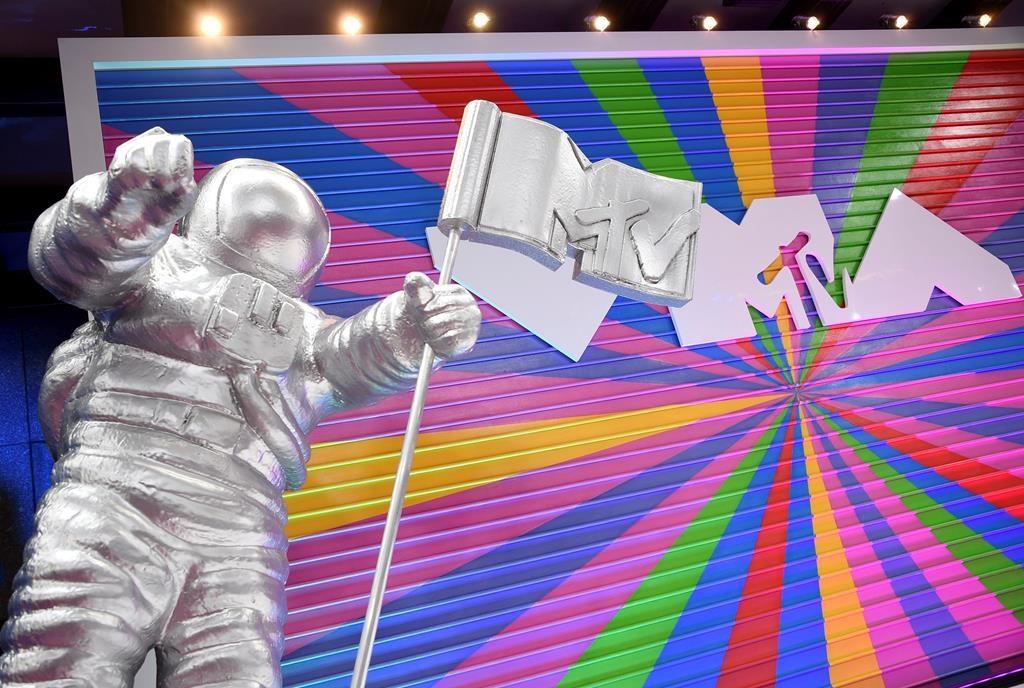 Elliott, Swift set to perform at MTV Video Music Awards