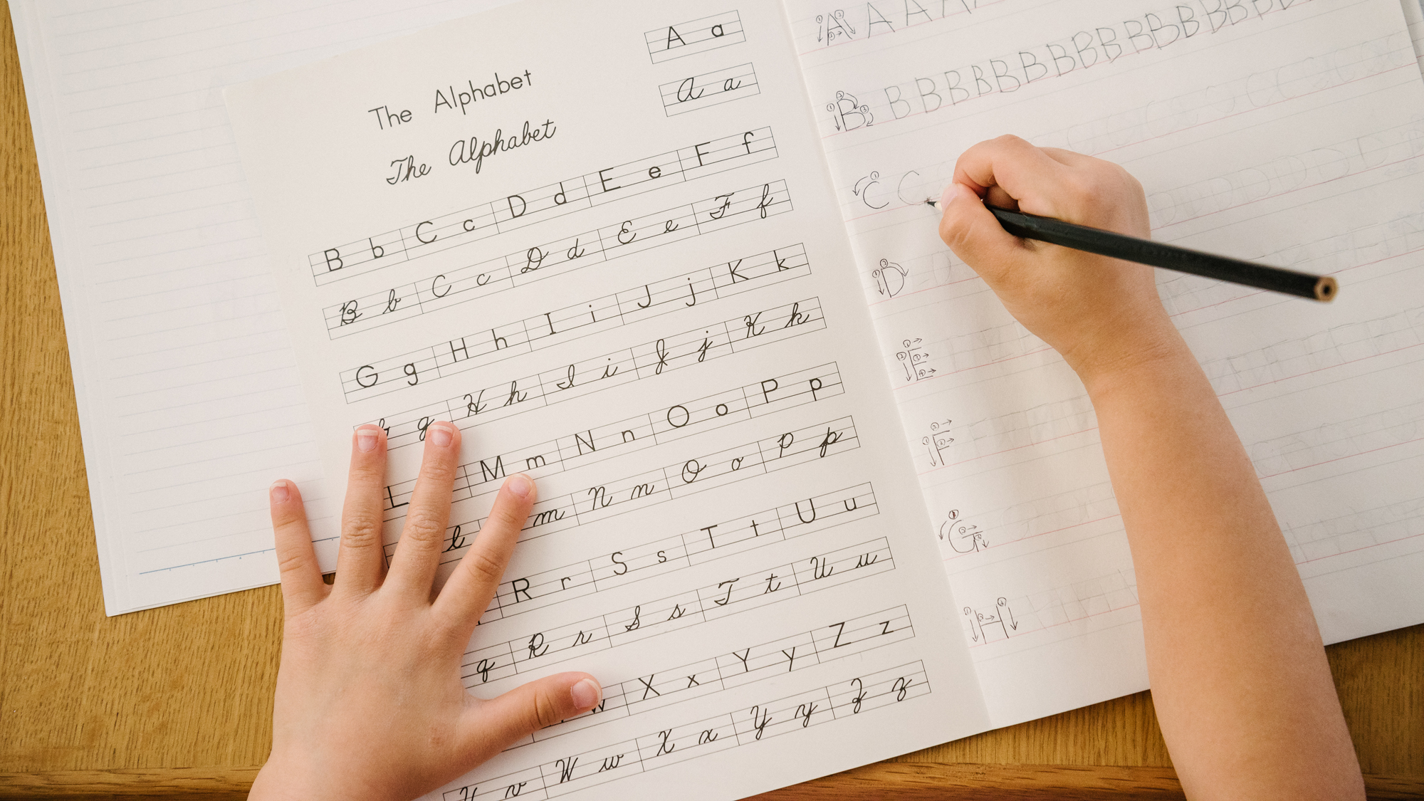 What happens to kids' brains when they don't learn handwriting?