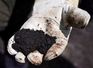 Alberta, Ottawa sign deal that reduces oilsands environmental monitoring