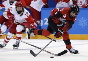 Together at last, Canadian women's hockey team reunites after pandemic separation