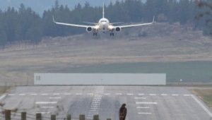 B.C. wildfire smoke forces flight cancellations in Interior